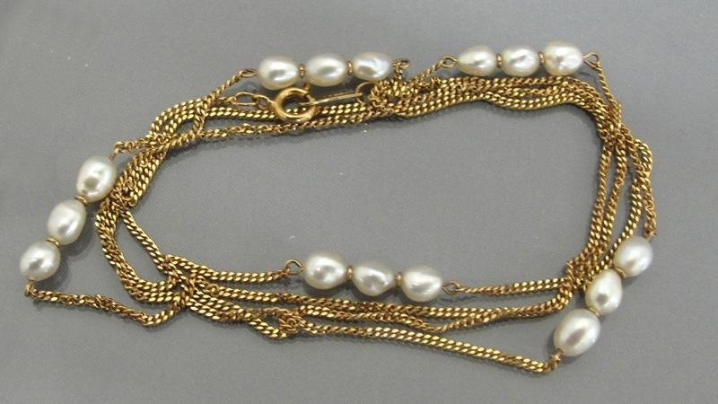 620: GOLD NECKLACE WITH PEARLS