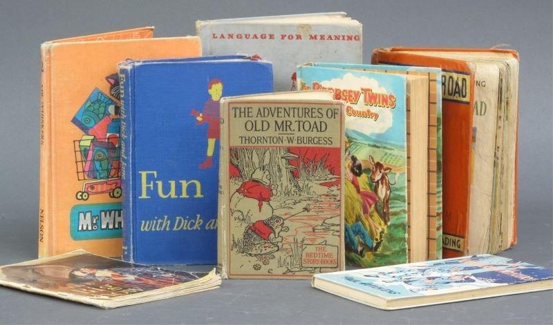 CHILDREN BOOK LOT (8)