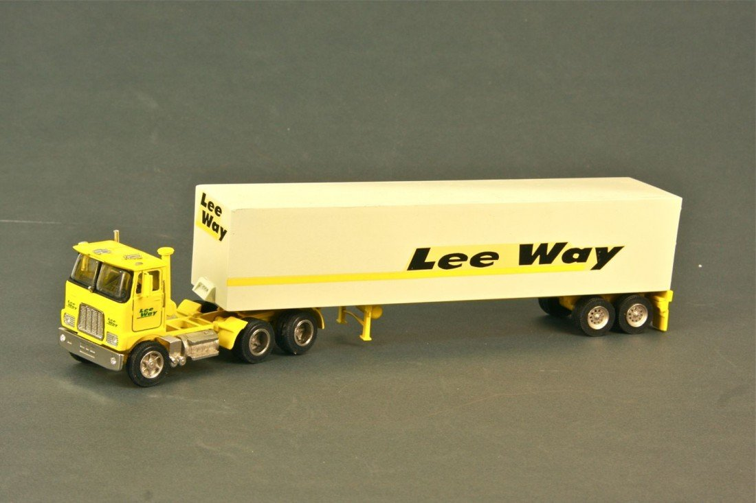 12: Mack Cabover Day Cab for Leeway w/48 ft. Leeway Tra