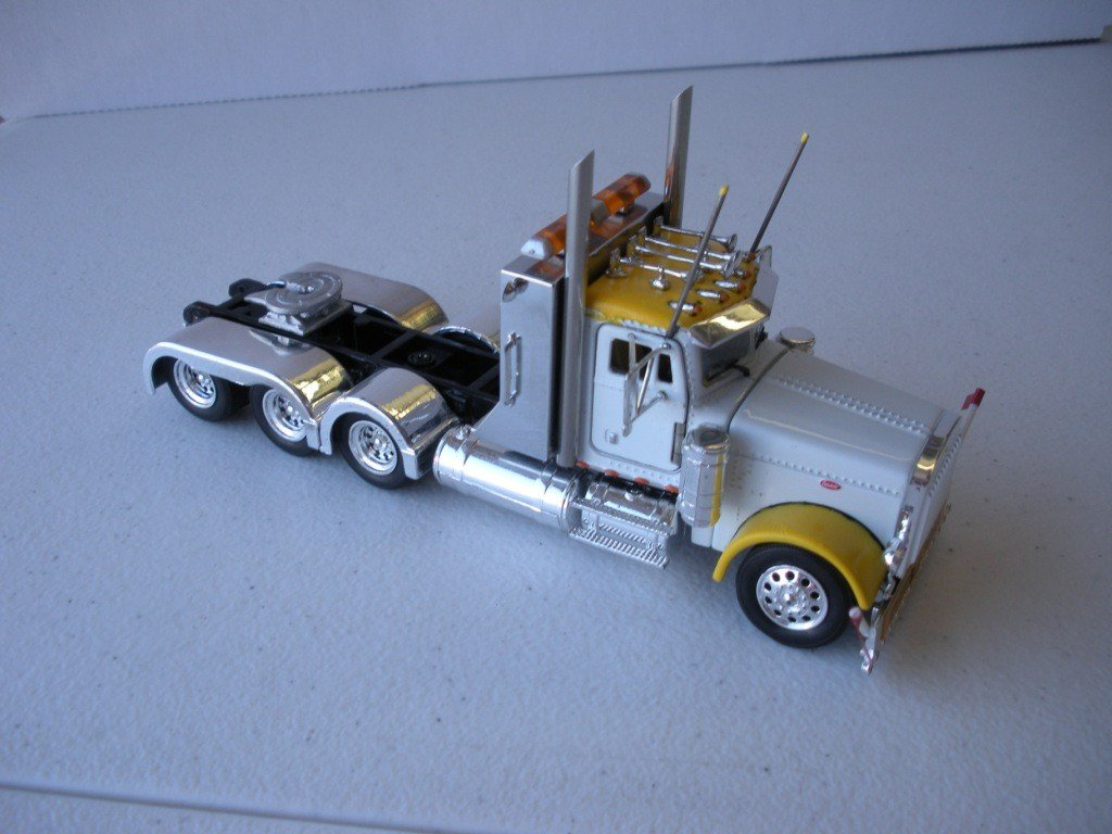 125: Peterbilt 379 4 Axle Heavy Haul Tractor - 2