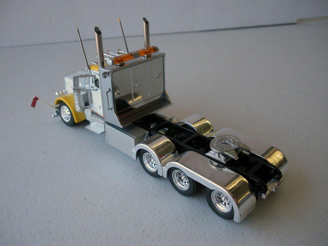 125: Peterbilt 379 4 Axle Heavy Haul Tractor - 3