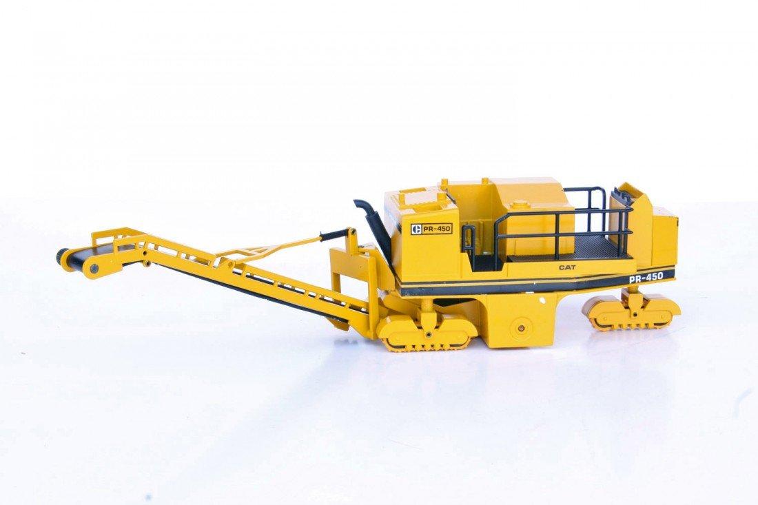 242: Caterpillar PR450 Profiler