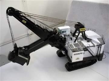 305: P&H 4100XPB Mining Shovel - White