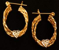 Beautiful pair of 14k Gold Hoop earrings 2.1g