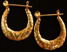 Beautiful pair of 14k Gold Hoop earrings 20g