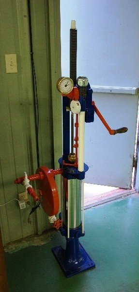 209: Vintage Gas Pump: Small Hand Crank (Red/Wht/Blue)