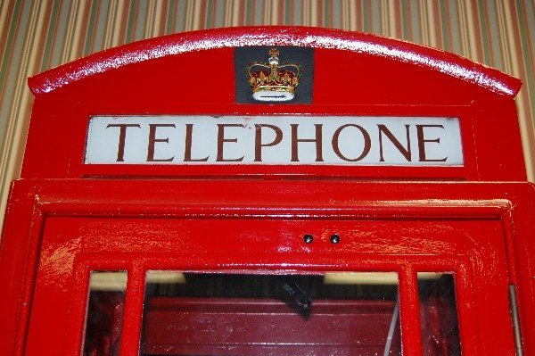 218: Authentic Cast Iron English Telephone Booth (Insid