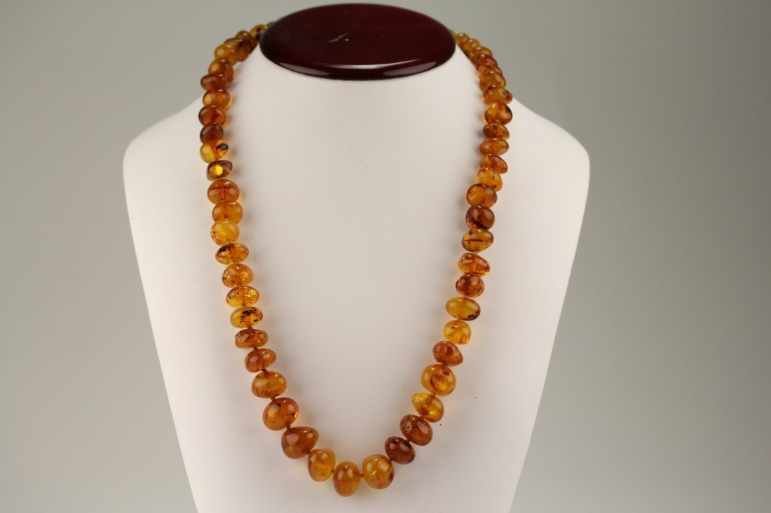 004: Amber necklace