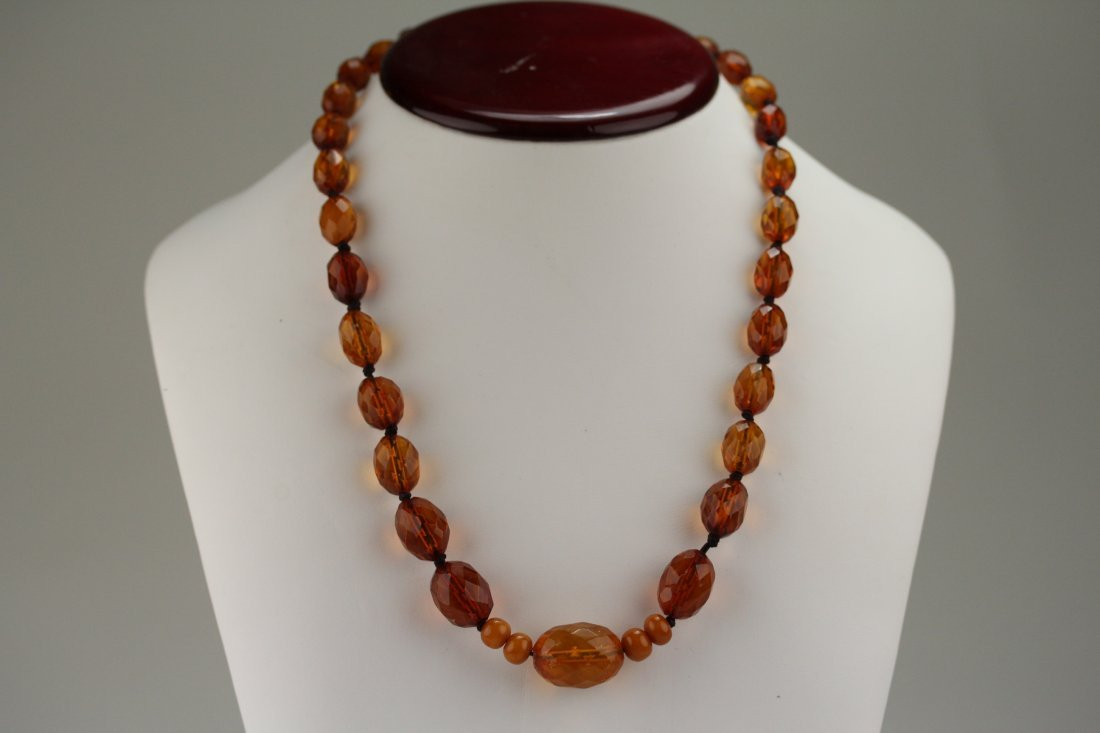 008: Antique amber necklace
