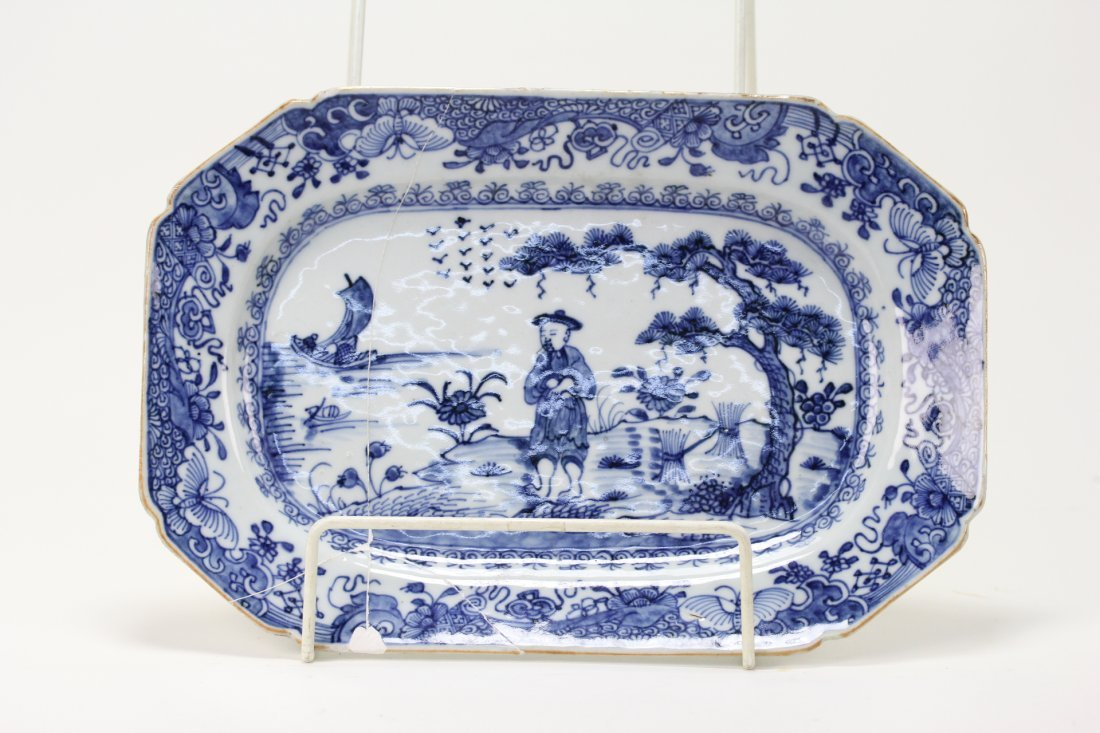 003: Chinese export blue and white warm plate