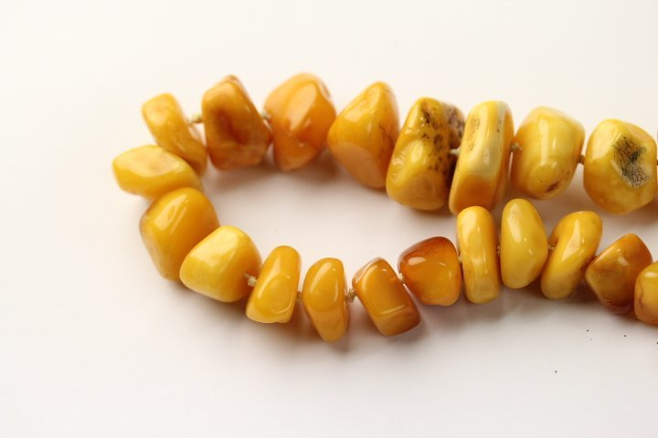 FINE ANTIQUE AMBER NECKLACE - 5
