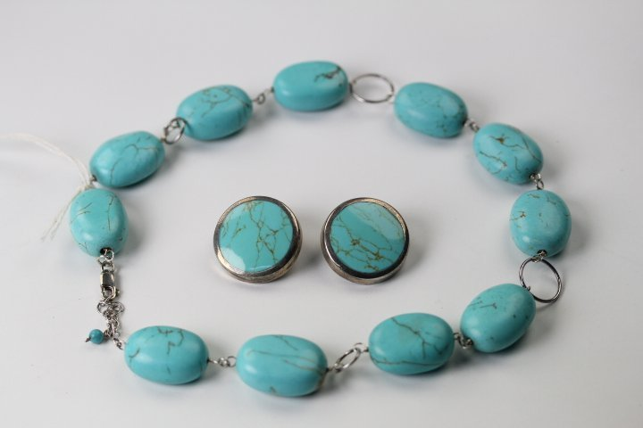 TURQUOISE NECKLACE & EARRING