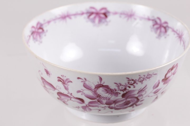 QING DYNASTY EXPORT COCCINLLIN FLOWER PORCELAIN BOWL