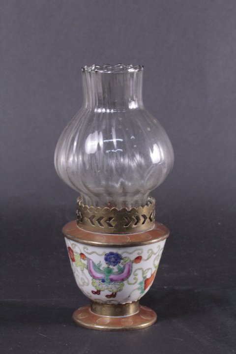 OLD RED BRONZE DECORATED PORCELAIN OIL LAMP