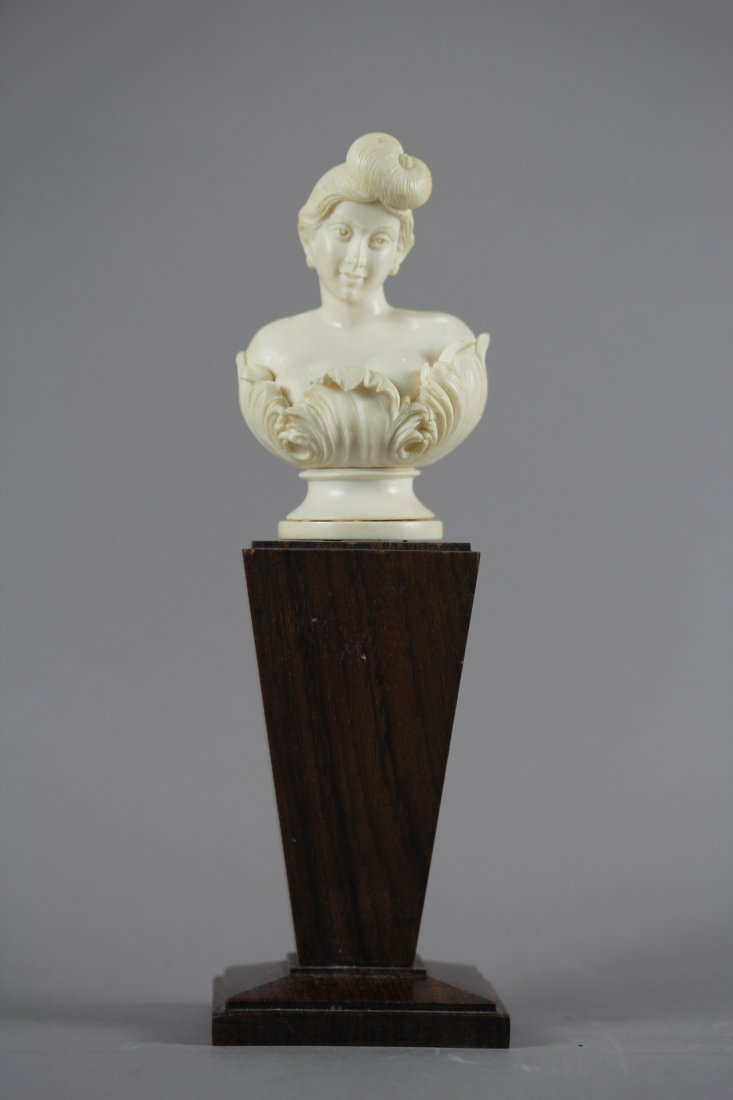 FINE IVORY CARVING BUST WITH WOODEN STAND