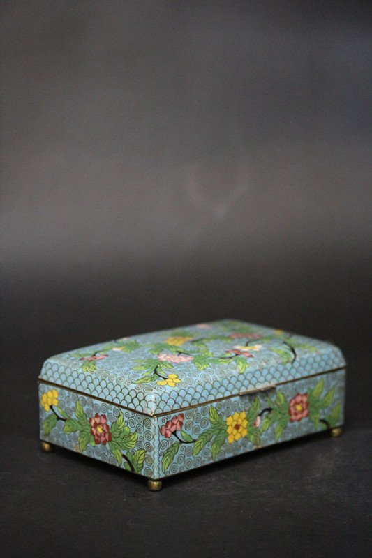 CLOISONNE RECTANGULAR BOX.