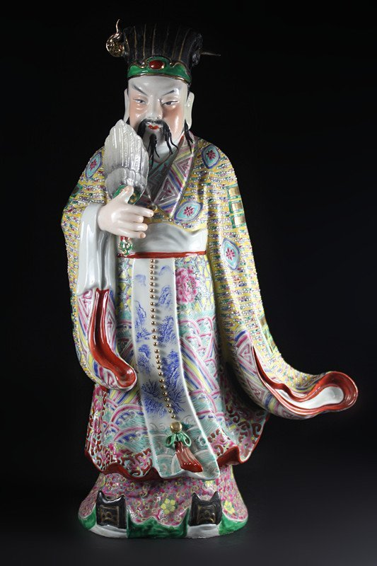 "FAMILLE ROSE PORCELAIN ""KONGMING"" STATUE."