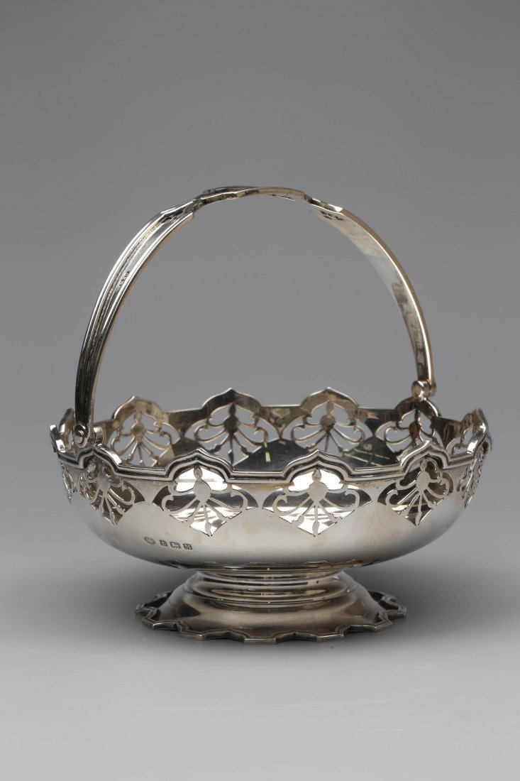 Sterling Silver English Basket Dated 1936.