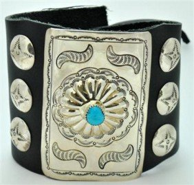 11: Navajo Turquoise Sterling Silver Large Bow Guard
