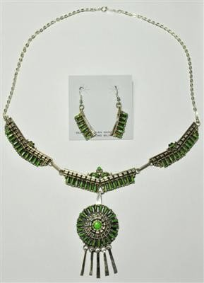 543: Navajo Green Turquoise Sterling Silver Necklace &