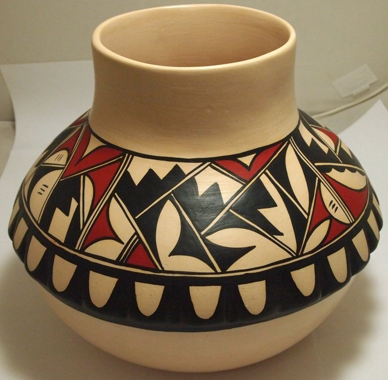 Hopi Matte Painted Pottery with Ridges - A Yesslith