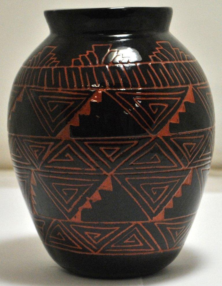 Navajo Etched Pottery - Priscilla Benally & Melvin Chav