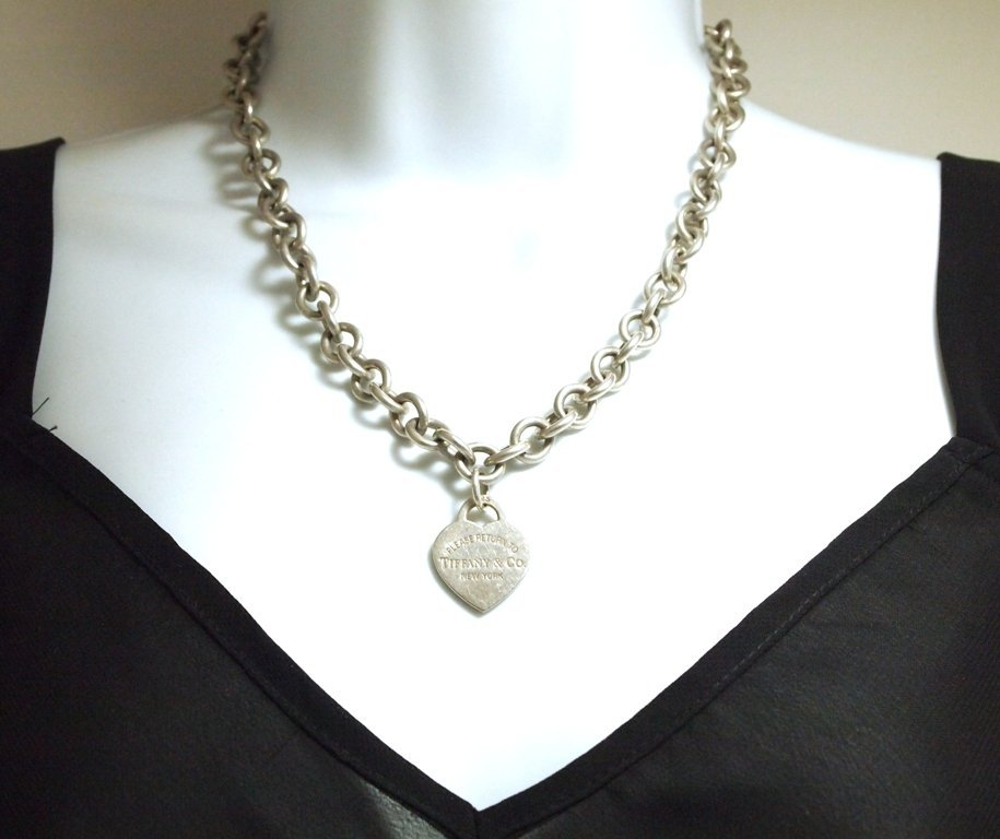 Pre-Owned Sterling Silver .925 Heart Link Necklace _-