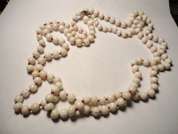 24: VINTAGE WHITE CORAL NECKLACE