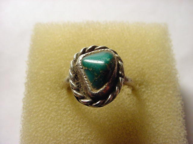 12: NAVAJO SILVER TURQUOISE RING SIZE 5