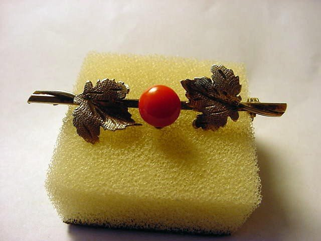 7: VINTAGE GOLD GILT SILVER CORAL PIN