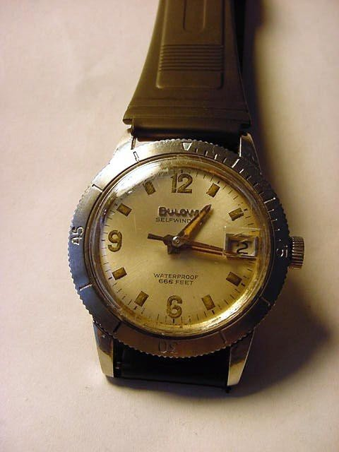 11: BULOVA SELF WINDING STAINLESS DIVERS WATCH WORKS