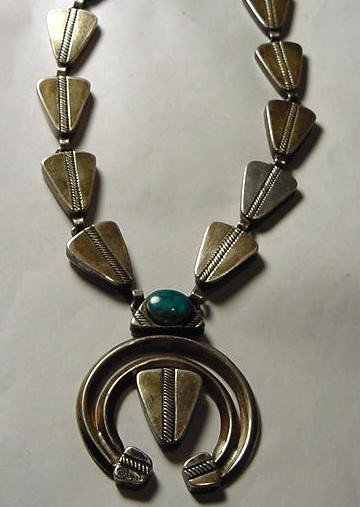 210: WOLF ROBE NAVAJO SILVER TURQUOISE NECKLACE