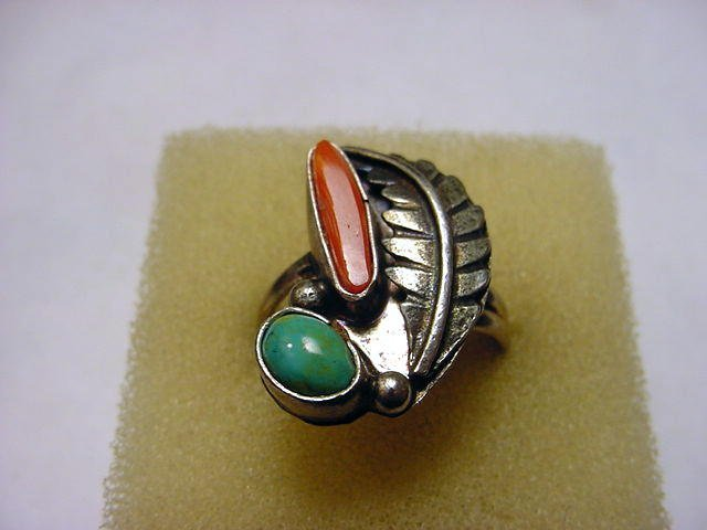 66: NAVAJO SILVER TURQUOISE CORAL RING