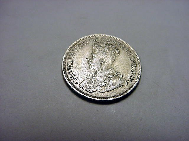 326: 1928 CANADA 10 CENTS