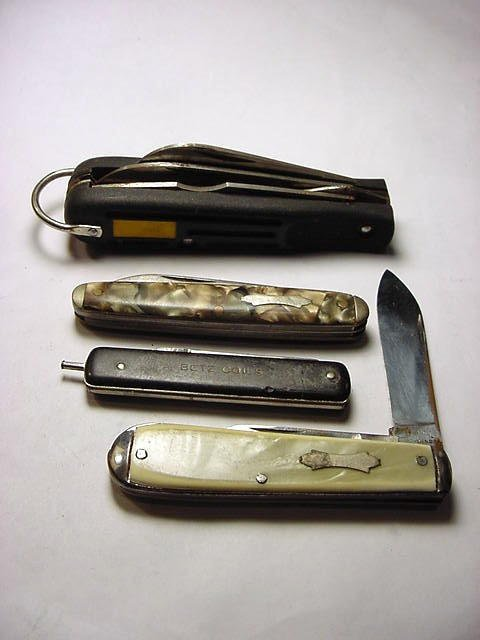 11: KNIFE COLLECTION