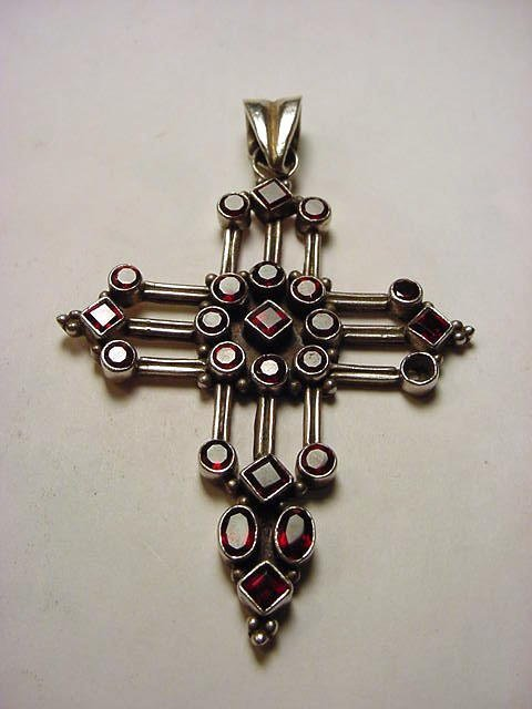 28: VINTAGE STERLING GARNET CROSS