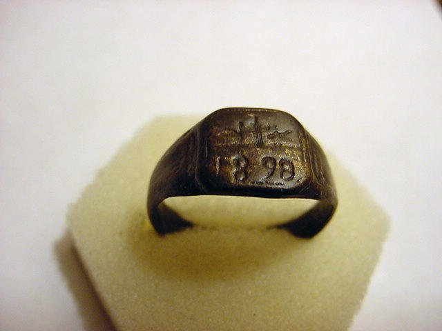 94: 1898 SPANISH AMERICAN WAR RING MADE BY PRISONER OF