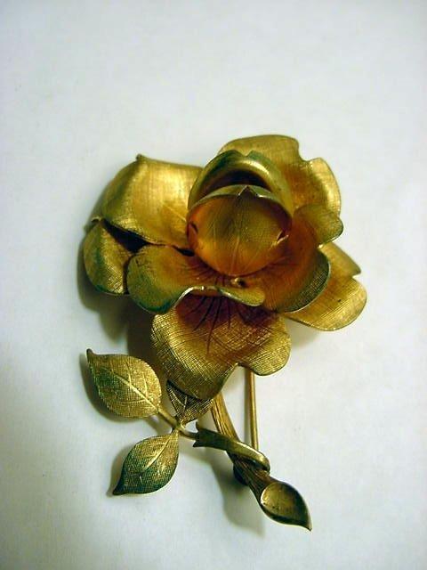 96: VINTAGE FLORAL PIN