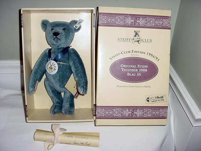 1: 1994/95 STEIFF CLUB 1908 BLUE BEAR IN ORIG BOX W/ CE
