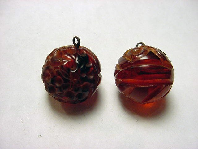 5: ANTIQUE CARVED AMBER BUTTONS