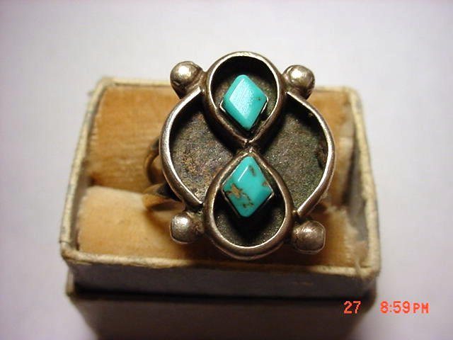 18: NAVAJO SILVER TURQUOISE RING SIZE 7