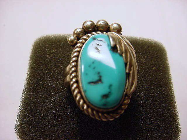 13: NAVAJO SILVER TURQUOISE RING SIZE 8