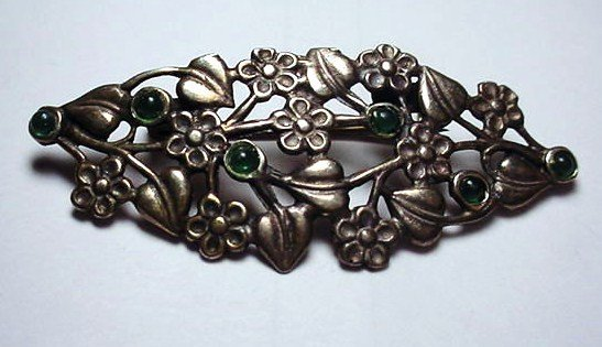 17: VINTAGE STERLING GREEN STONE FLORAL PIN