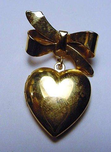 21: VINTAGE HEART LOCKET PIN