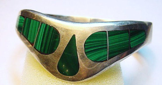 18: SIGNED MEXICAN STERLING MALACHITE BRACELET