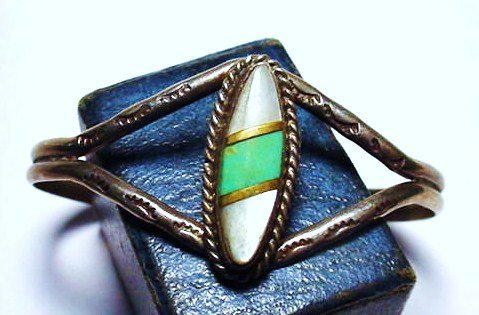 15: NAVAJO SILVER MOTHER OF PEARL. TURQUOISE BRACELET
