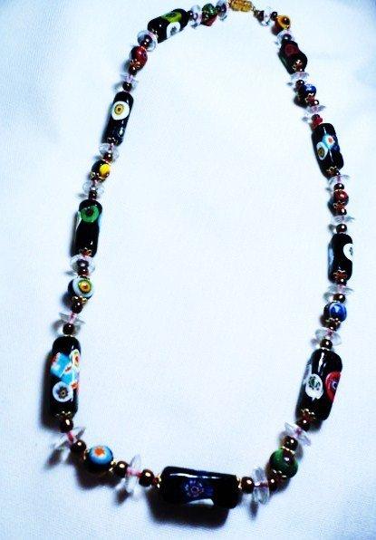 10: ART GLASS NECKLACE