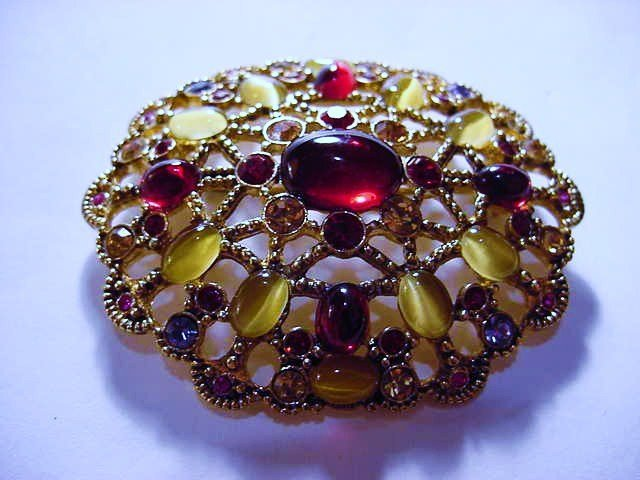 7: FANCY VINTAGE PIN