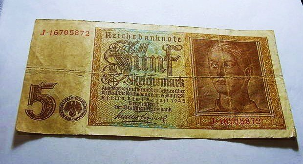23: 1942 NAZI GERMAN 5 MARK BANKNOTE