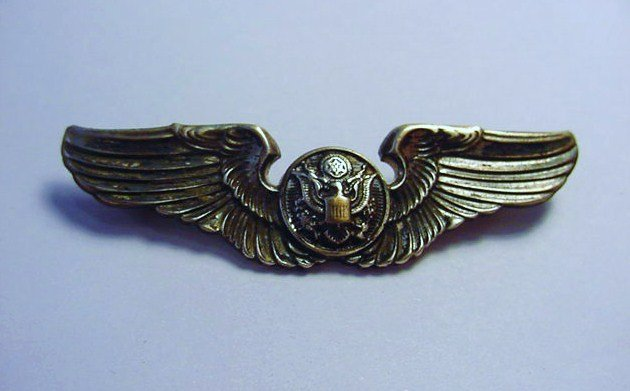 WWII STERLING FLIGHT WINGS MEASURES 2 INCHES